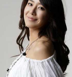 韩国演员尹晶喜 韩国美女尹晶喜个人简介及图片