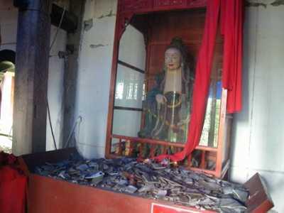 2008四川地震佛像北川 汶川大地震灵异现象