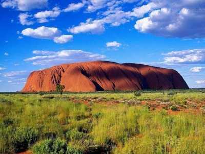 世界上石头最大的山 看着就和一座山一样